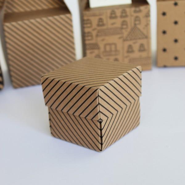 Çizgili Kutu